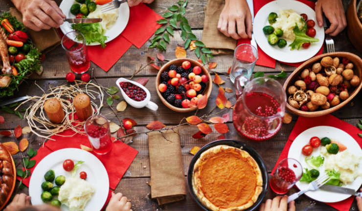 5 Tips to AVOID Overeating During Holidays
